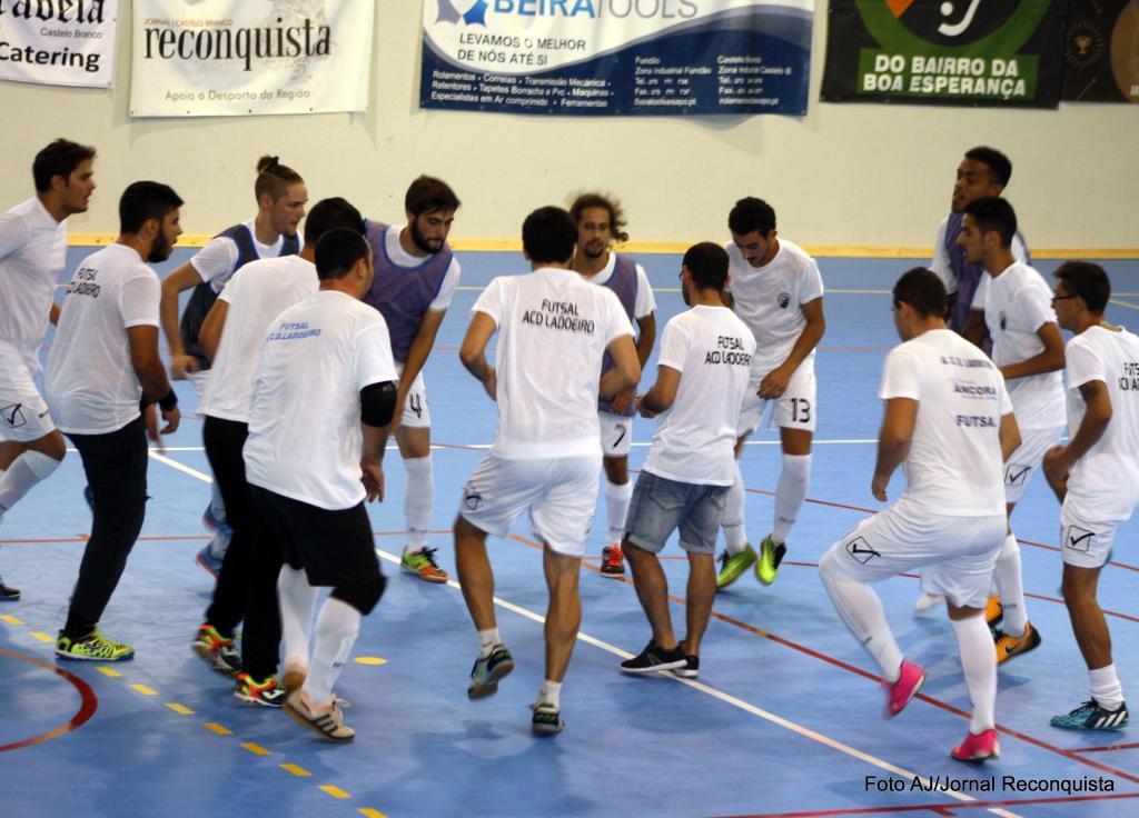 Futsal  Ladoeiro e CB Oleiros discutem o título distrital  dca8738bfe7b4
