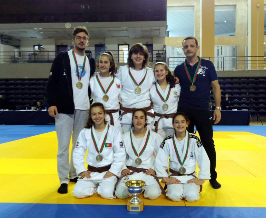 51c5b08ad1 Pela primeira vez na história do judo distrital uma equipa de clube  sagrou-se campeã nacional.