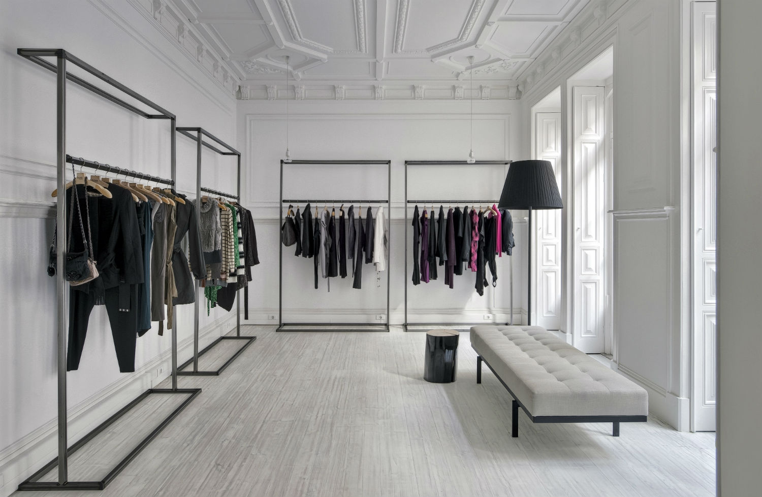 Interior Architecture and Decoration for Fashion Showroom by Cristina Jorge de Carvalho